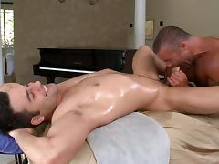 Arousing anal banging tube porn video