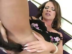 Buttplugged slut in heels toys tube porn video