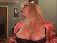 Slutty white Milf whoring on Cam tube porn video