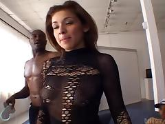 Black thugs fucking and filling a blindfolded white girl with cum tube porn video