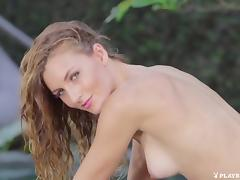 Seductive Babe with Jennifer Love tube porn video