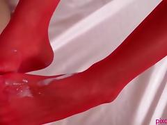 Red Stockings Babe Gives Foot Job tube porn video