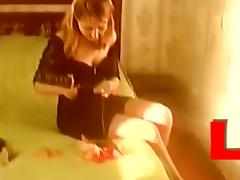 Lula having sex with balloons and insering them into pussy tube porn video