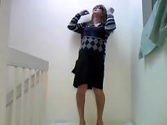 Amateur crossdresser solo on a floor tube porn video
