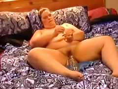 Amateur SSBBW wife in bed using a huge sex tool for her cunt tube porn video