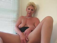 Dutch mature horny housewife masturbating tube porn video