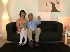Old man and a cute smiling girl tube porn video