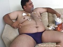 Glamorous Kelly Wells agrees to have sex with the fat and hairy guy tube porn video