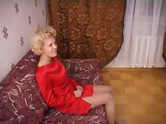 Russian mature mom and a friend of her son! Amateur! tube porn video