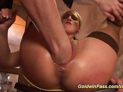 babe needs extreme pussy stretching tube porn video