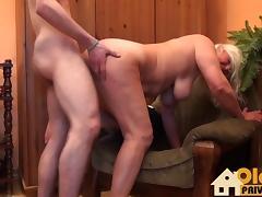 Alte Hexe junger Schwanz tube porn video