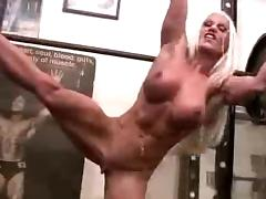 Sexy muscle woman at thr gym tube porn video