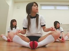 Japanese schoolgirls get their faces drenched in cum tube porn video