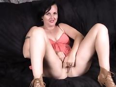 Bi-curiousfemale fantasy joi webcam hubby joins tube porn video