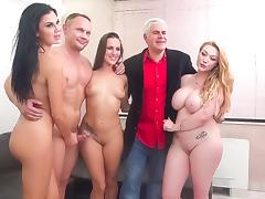 Mea Melone & Jasmine Jae & Harmony Reigns & Porno Dan in Servicing the Czech Drinking Team - ImmoralLive tube porn video
