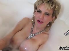 Cheating british mature lady sonia displays her massive natu tube porn video
