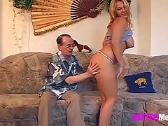 Was ist denn nur mit Opa los? Der Geil Ficker tube porn video