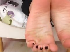 Marianna moves her sexy (size 39) feet, part 2 tube porn video