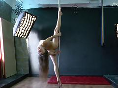 Skinny solo model with long hair stripping marvelous tube porn video