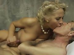 Old Army Man Fucking junior Blonde tube porn video