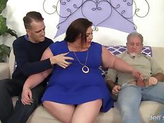 Horny, chubby Bella Bendz gets her pussy double dicked tube porn video