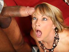 Hot Cougar Shayla LaVeaux Takes Black Cock tube porn video
