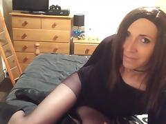 Crossdresser wanks in tights tube porn video