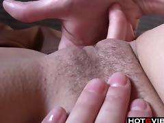 See this slim cutie give her pussy a good fingering tube porn video