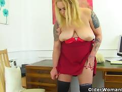 Busty and British milf Sookie Blues fingers her meaty cunt tube porn video