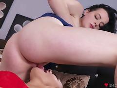 Kira Zen & Nikita Ricci in Curvy lesbian 69 with hairy girl - Lesbea tube porn video