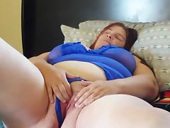 Sexy bbw rubs and toys tube porn video