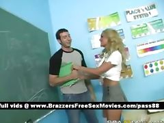 Young blonde chick at school tube porn video