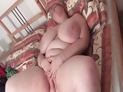 Mature BBW vibrating her horny cunt tube porn video