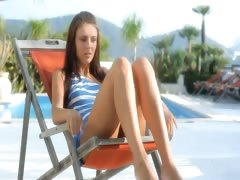seductively wow pussy toying on a sunbed tube porn video