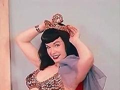 Sensitive Belly Dance of a Hot Pornstar 1950 tube porn video