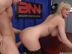 Anchorman Fucks The Busty Blonde Weather Whore Brooke Banner tube porn video