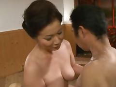 Mature Japanese Chizuru Iwasaki Giving a Soapy Handjob and Blowjob tube porn video