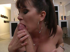 Keiran Lee is penetrating alluring beauty Rayveness tube porn video