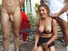 Mature fuck in the garden anal DP tube porn video