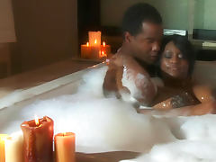 Slender ebony Jada Fire gets black dick in her puss tube porn video