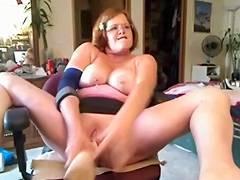 Livecam rubber fist tube porn video