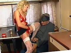 CHEAP FRENCH HOOKER DRILLED SPRAYED BY AN MATURE tube porn video