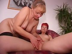 Amateur German threesomes tube porn video