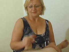 Mature Milking Handjob tube porn video