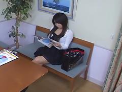 Big booty Japanese enjoys some erotic voyeur massage tube porn video