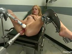 Lexi Belle gets her coochie smashed by a fucking machine tube porn video