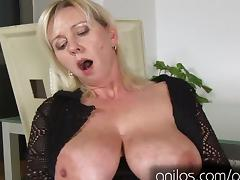 Mature involving obese confidential together with shaved pussy tube porn video