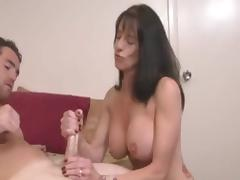 Chubby Titties stepmom brings Distraction tube porn video