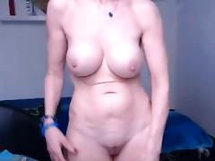 Granny shoing her sur per sexy body at bottom the webcam tube porn video