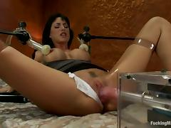 Gia Dimarco Getting Her Snatch Drilled Repeatedly by Machine tube porn video